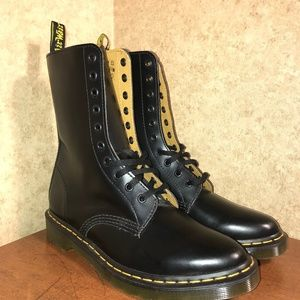 Dr. Doc Doctor Martens Air Wair Alix Boots NEW Siz